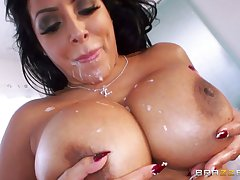 Grown up slut Kiara Mia loves to be fucked involving in all directions from of her holes