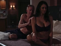 Lovely milf Reagan Foxx gets fucked and jizzed by horny lover