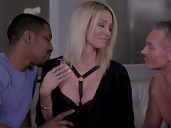 Insatiable blonde Jessica Drake gets foretell with four lovers at the same time