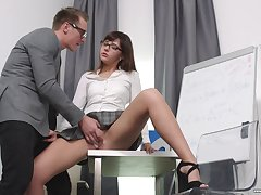 Secretary Katty Blessed drops on her knees all round please her big wheel