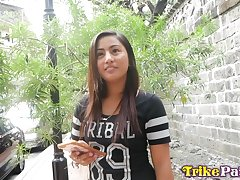 Bonny Filipina girl Kim gets intimate in the matter of one barely freshen guy