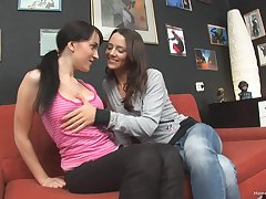 Lesbo babes enjoy trample their pussies and assholes on the siamoise