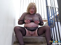 Europe MaturE Domineer Nancy Trisha Solo Masturbation