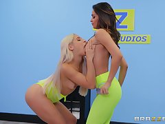 Lesbians ration the die for here the best XXX cam show
