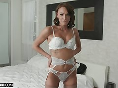 Adorable spliced Emma Hix enjoys cheating with a substantial black learn of