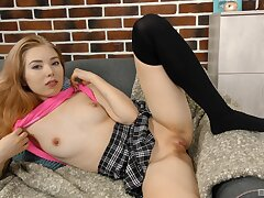Solo model Li In takes off her pantie to pleasure her pink taco