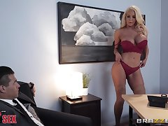flexible body Nicolette Shea wants to show her sexual skills to a exotic