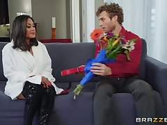 after pussy eating Kaylani Lei can't wave to cumulate enter a hard dick