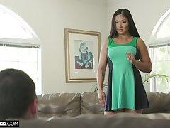 Asian goddess Nyomi Star gives a deepthroat blowjob and gets say no to muff nailed